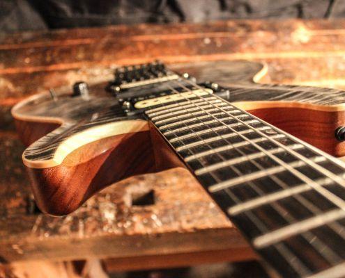 E-Gitarre von Scherdt Guitars Modell Corpse Paint