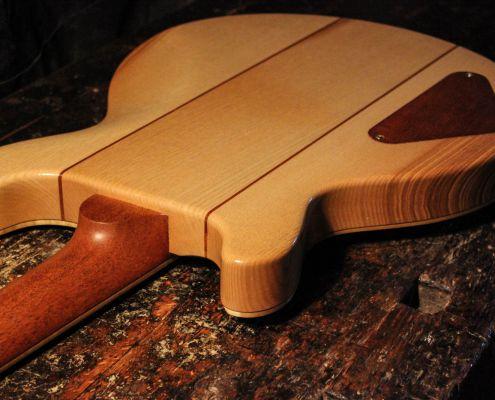 E-Gitarre von Scherdt Guitars Modell Halvar